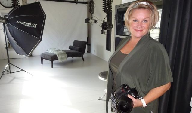 Debby heeft zich toegelegd op bruidsfotografie en daarin kan zij echt haar ei kwijt. (Foto: Eline Lohman)