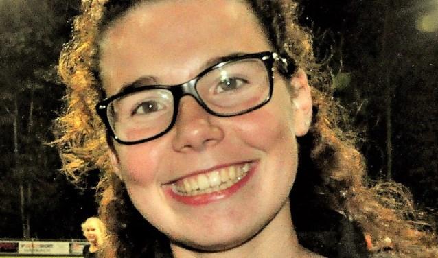 Wie wil Belgische Zora (17) een jaar onderdak bieden. AFS zoekt een gastgezin voor deze vrolijke dame.