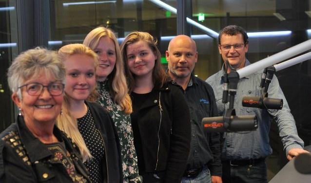 V.l.n.r. Jacomien, Maartje, Marit, Suzanne, Rob en Peter (Foto PR)