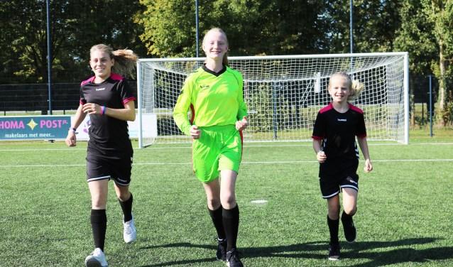 De jonge talenten. V.l.n.r. Norah van Ee, Sas Staal en Marein Olde Reuver of Briel. Foto: Arjen Dieperink