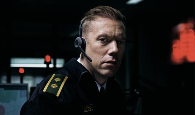 De spannende film Den Skyldige (The Guilty) rondom alarmcentralemedewerker Asger Holm draait twee keer in Filmhuis Didam. (foto: Nikolaj Moeller)