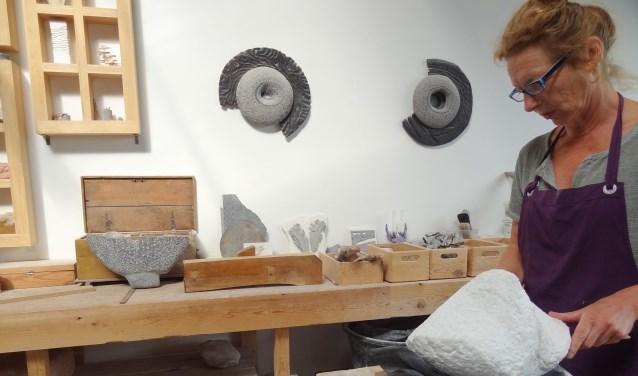 Altijd een kijkje willen nemen bij een kunstenaar? Het kan dit weekeinde tijdens de Atelierroute.