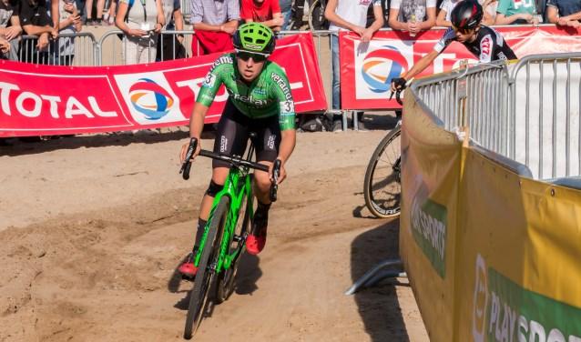 In de SP cross van Gieten reed Maud Kaptheijns zich bij de beste vijf elite-vrouwen. Foto: Marcel van de Meulengraaf