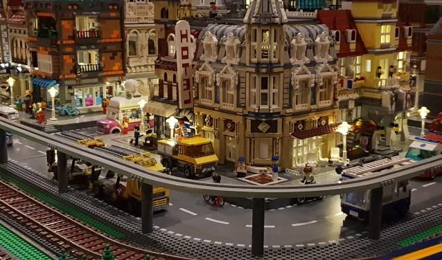 Genieten van LEGO op zondag 14 oktober in De Pit in Overloon. (eigen foto)