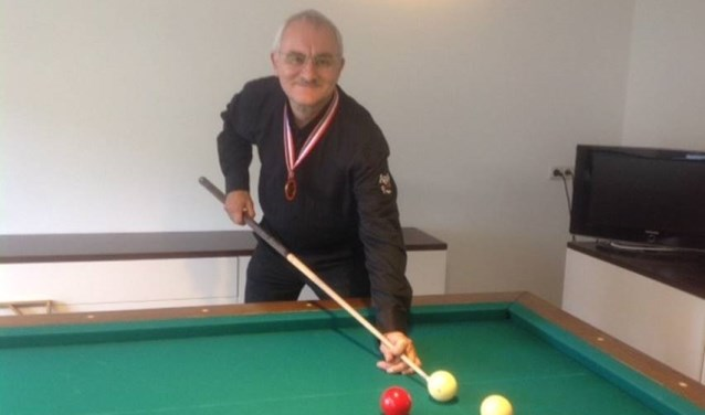 Theo Derks werd afgelopen week Nederlands kampioen biljarten in de spelsoort libre klein.
