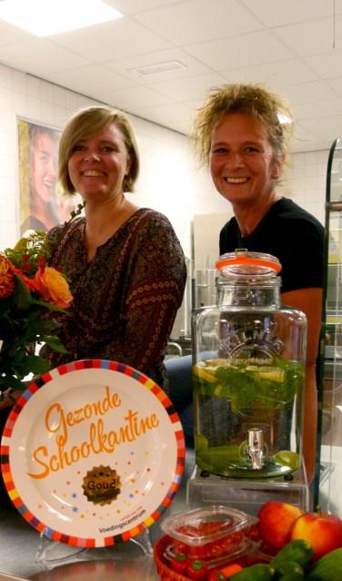 Hetty en Bianca van de kantine van OBC Bemmel locatie de Heister
