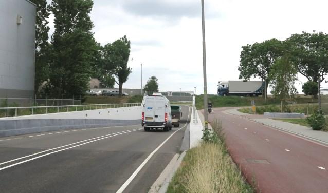 De Rijkstraatweg zou dicht moeten voor vrachtverkeer (Foto: GvS)