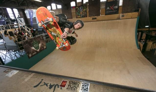 Regerend Nederlands Kampioen Vert Skateboarden Lars Stout in actie. Foto: Roel van der AA