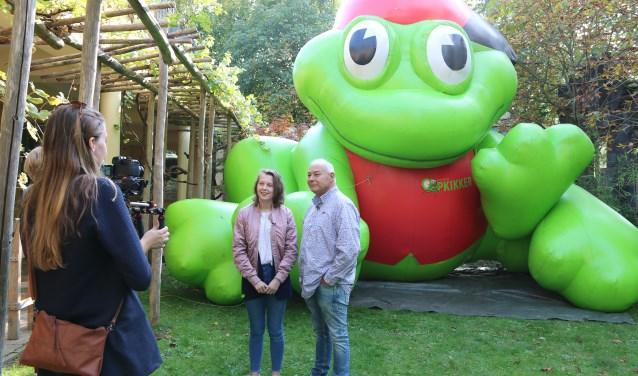 Samen met directeur Ruud Sliphorst, gaf Sarah een interview. Foto: Sietske Abelmann.