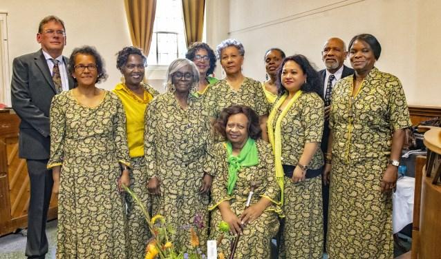 De leden van Kerkkoor Pasensi (Foto: Michel Groen).