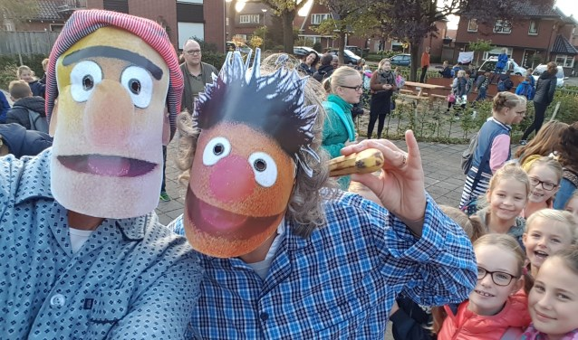 Bert en Ernie op de KWS: 'Hé Bert, ik heb een banaan in mijn oor!'