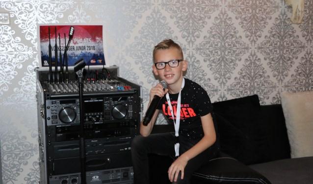 Daymian van Os (9) heeft zijn droomberoep gevonden: Hij wordt feestzanger. En voor zijn jonge leeftijd is hij al flink op weg!