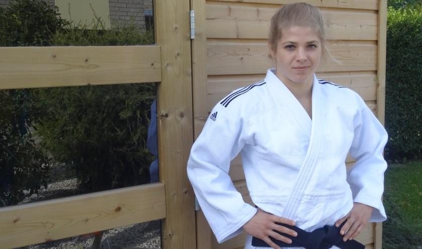 De zichtbare power van Reumerman zit verborgen onder haar judopak. De krachtsexplosie én de mentale ontspanning moet er op het WK in één dag uitkomen.Foto: Jetty Duister