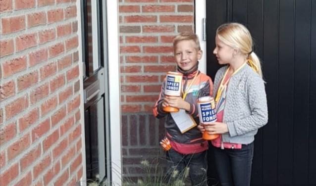 Meis (8) en Goos (6) Ticheler waren twee van de zestig collectanten die in september in Haaksbergen en St. Isidorushoeve collecteerden voor het Prinses Beatrix Spierfonds.