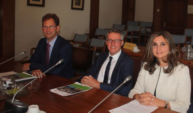 De wethouder Wolbert Meijer, Jan Oosterhoff en Yasemin Cegerek zullen maandagavond de begroting 2019 moeten verdedigen.