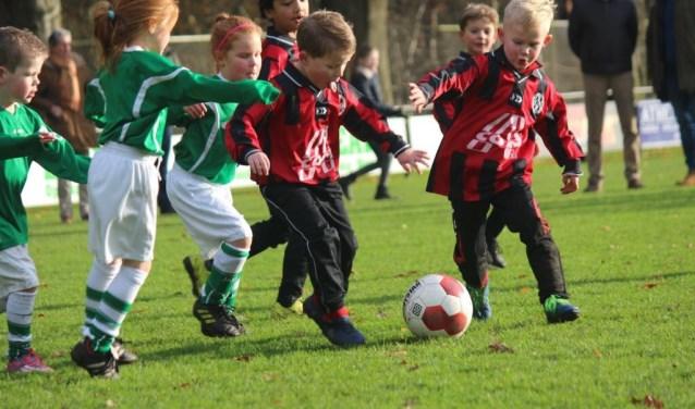 De toekomstige generatie speelt hun eigen derby. Foto: DES.