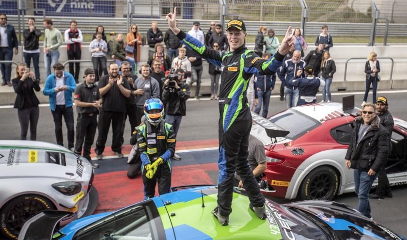 Autocoureur Rob Severs is de nieuwe titelhouder in de GT4 Central European Cup. FOTO: Chris Schotanus