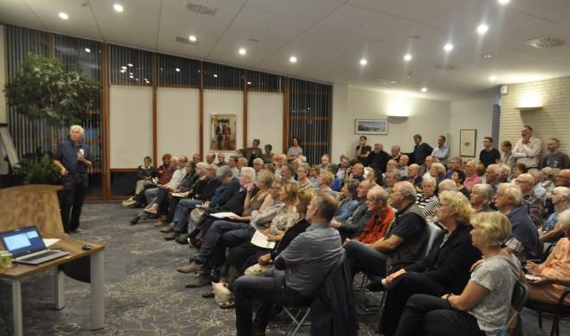 Ongeveer 150 bezoekers hebben de gastsprekers mogen beluisteren en vragen mogen stellen over gasloos wonen.