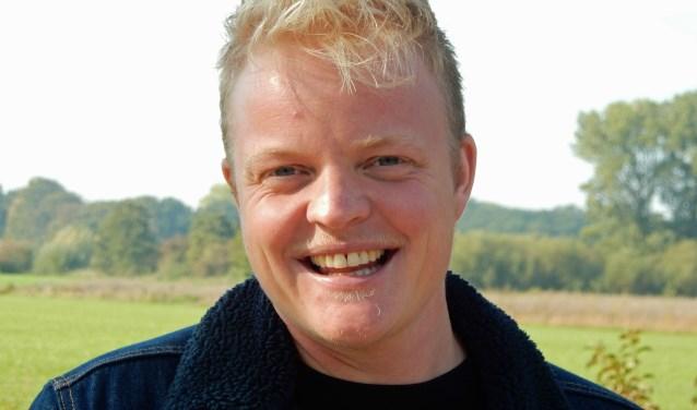 Bart Peters maakt zich sterk voor een geode communicatie tussen gemeente-ambtenaren en transgenders. Hij maakte een gratis e-learning voor gemeente-ambtenaren.
