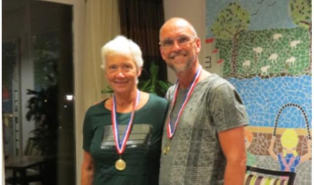 Clubkampioenen Mariëtte Gielens en Marcel van der Vliet. (foto: Eigen foto)