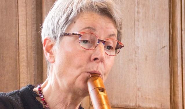 Fluitisten Els Althuizen en Fiet Nafzger verzorgen zaterdag een 'pretconcert'in de Bibliotheek van Drunen.