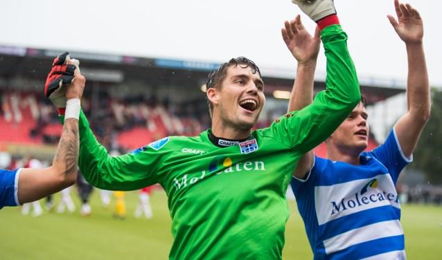 Mickey van der Hart viert de 0-1 overwinning tegen FC Emmen. (foto: Henry Dijkman)