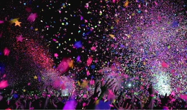 Vrijdag 30 november, 19.00 – 01.00 uur. Zaterdag 1 december, 14.00 – 01.00 uur. Afterparty in El Sombrero tot 04.00 uur. Tickets:Tickets zijn online verkrijgbaar op elsomopenair.nl. Vrijdag ticket | € 14,50. Zaterdag ticket | € 21,50. Combi ticket | € 29,50. Combi groepsticket (7+1 gratis) | € 25,80