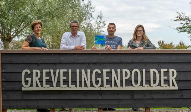 Debby en Twan Hanse, Patrick Berrevoets en Paula Hanse van Grevelingenpolder mét het GreenKey keurmerk. FOTO: Ernesta Verburg