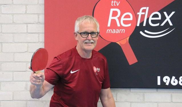 Gert Dijkhorst (63), voorzitter, trainer/begeleider en speler Heren I van tafeltennisvereniging Reflex is 40 jaar lid. FOTO: Hanny van Eerden