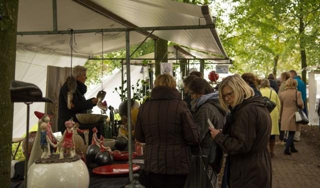 De vorige herfstfair op Landgoed Schuilenburg werd goed bezocht. Foto: Gejo Klos.