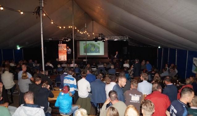 Ruim 300 inwoners van Brakel en Zuilichem kwamen vorige week op de informatiebijeenkomst af. Foto: Marielle Pelle