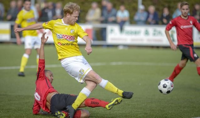 Laurens Visser in actie namens Spirit in de derby met DCV. (Foto: Wijntjesfotografie.nl)