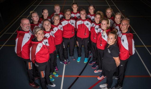 De Wierdense dames vinden het bijzonder dat ze tweede ronde van de nationale beker behaald hebben. Foto: WVC Volley D1.