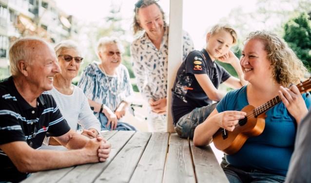 Het festival toont de meerwaarde van cultuurparticipatie voor de bestrijding van eenzaamheid via ontmoeting, verbeeldingskracht, inzet van talenten en het bieden van zingeving. Foto: Theo Scholten