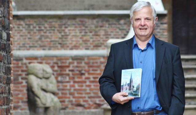 Microgeschiedenis over de buurt, het bestuur, de inwoners, hun werk, vermaak en aansprekende gebeurtenissen, door Ton Lensvelt.