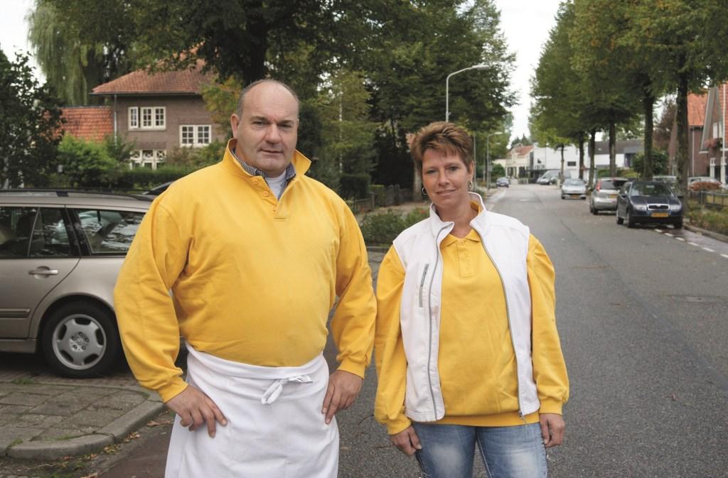 """Rochér Meurs en zijn Westervoortse partner Patricia Hagen: """"De sfeer op de kermis in Westervoort is gemoedelijk, een beetje nostalgisch zelfs soms."""""""