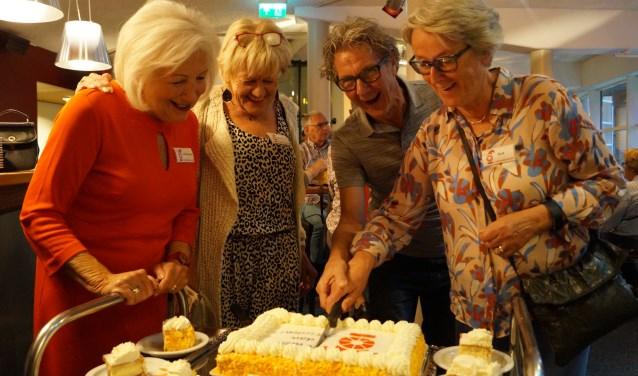 fgelopen vrijdag 21 september werd onder het genot van een kopje koffie of thee en een speciale taart een mijlpaal gevierd.