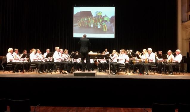 Harmonie KnA Zeddam in actie tijdens het Muziekfestival in Zutphen