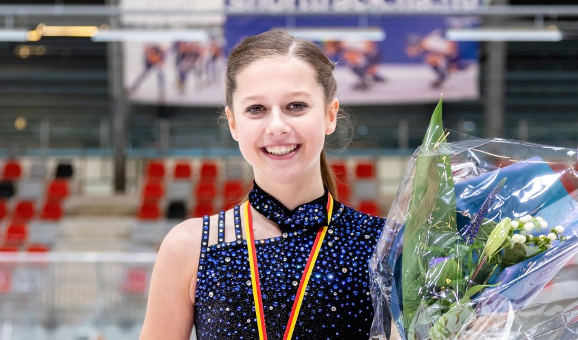 kunstrijdster Dani Loonstra werd gewestelijk kampioene in haar eerste jaar bij de Junioren