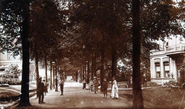Van Hoogstratensingel in Dordrecht, circa 1902-1905. (foto: collectie Regionaal Archief Dordrecht)