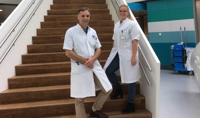 Kinderarts Gertjan Driessen en arts-onderzoekers Daphne Peeters onderzoeken het langdurig gebruik van het antibioticum Cotrimoxazol bij terugkerende luchtweginfecties bij kinderen