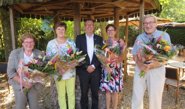 Annie Wuijts-Hendriks, Els van der Geer-Cuijpers, Piet van den Boogaart en Leny Peels-Beks.