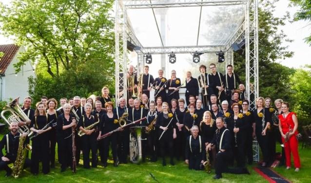 De leden van muziekvereniging Arti.