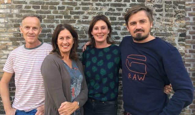 Voor Andries en Connie Knotters en Niels en Maaike van der Kuur was een bezoek aan een sloppenwijk in Oeganda reden voor  Project Hoop.