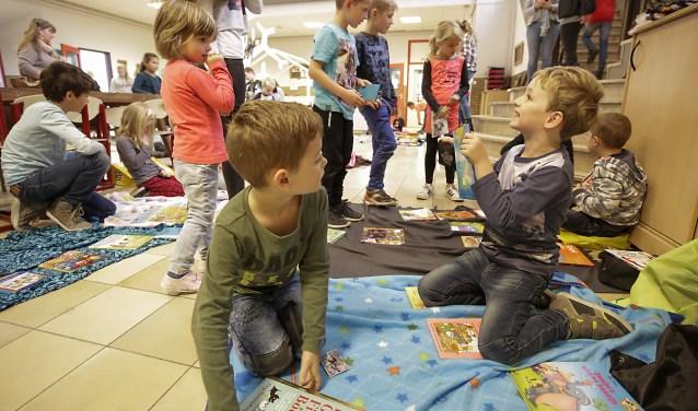Ook bij kinderen van groep 4 was een groot aanbod. Foto: Jurgen van Hoof.