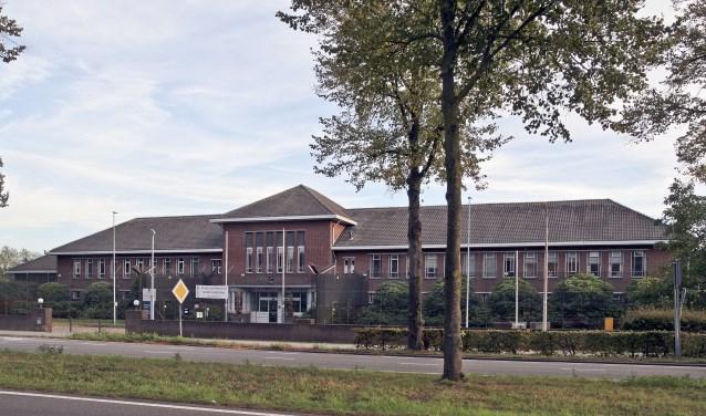 Het hoofdgebouw van het kazernecomplex wordt nu al potentieel monument genoemd.
