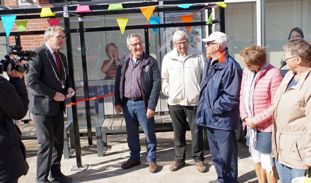 Burgemeester Jan Kottelenberg opent de BOP (Foto: Jan Woldberg)
