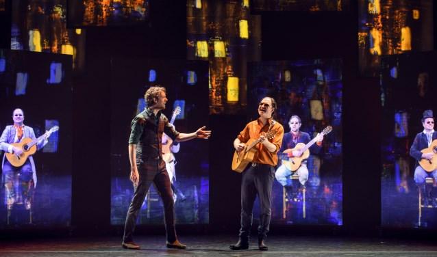 Een avondje lachen met Van der Laan en Woe op zaterdag 27 oktober. Foto: Amy van Leiden.
