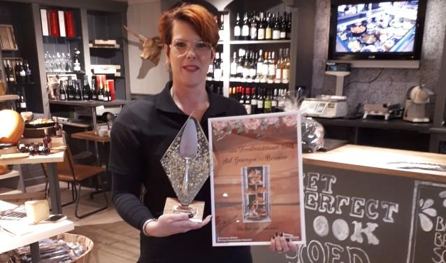 Lieke Verdijk nam de prijs in ontvangst op de Internationale Vakbeurs Foodspecialiteiten. (foto: Persfoto)