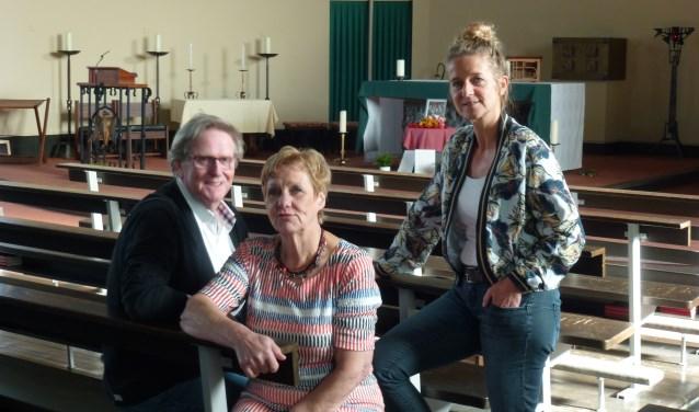 Van links naar rechts: Jan Suijs, Joma de Roos, Bettina van Dinther. Aanmelden voor de reünie kan via 50jaar@leschanteurs.nl of 06-51606388.